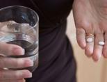 Гормональные таблетки для женщин после 40-50 лет. Какие лучше в период менопаузы, при климаксе, эндометриозе, гормональном сбое