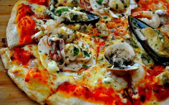 вкусная пицца с морепродуктами рецепт