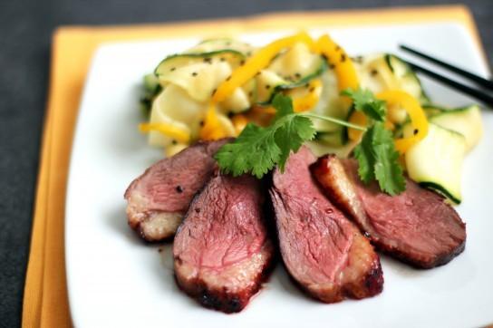 запеченный говяжий язык с картошкой в духовке