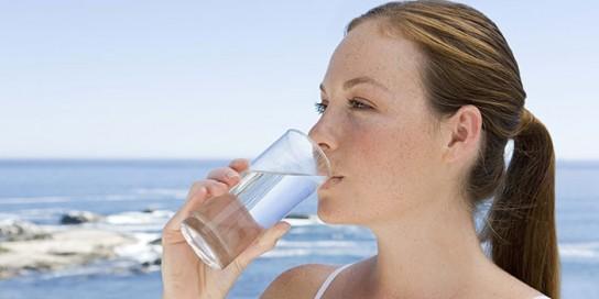 Почему беременным нельзя много пить воды