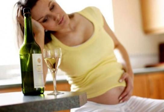 Беременная изменяет мужу