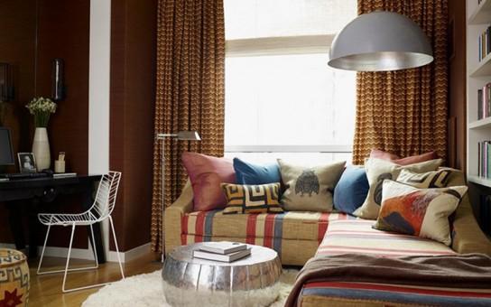 Осветительные приборы помогают разбить комнату на зоны