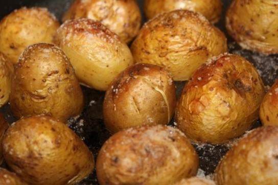 картошка с кожурой в фольге в духовке рецепт