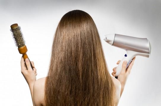 Как правильно сушить волосы феном?
