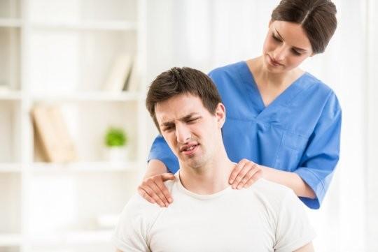 Причины появления болей в шейном отделе